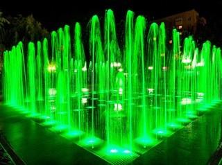 В Центральном парке строят цветомузыкальный фонтан