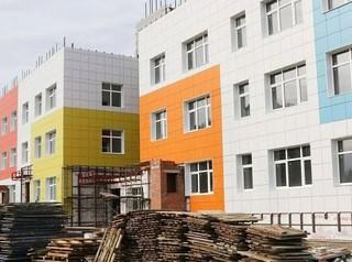 Строительство двух детских садов с бассейнами в «Лесной Поляне» подходит к концу