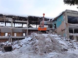 Реконструкция бассейна СКА на Воинской началась со сноса старого здания