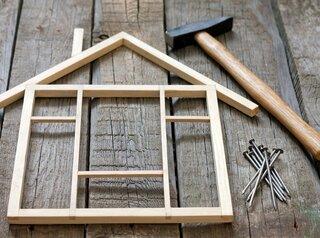 Для деревенских врачей и учителей в регионе предлагают строить деревянные дома