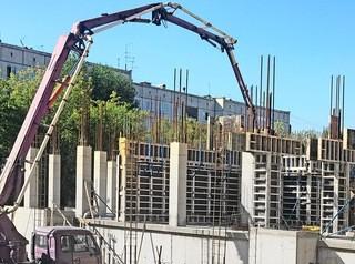 «Белому городу» запретили строить в «Южном Береге», но работы на площадке продолжаются