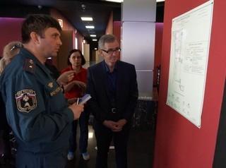 В новокузнецких ТРЦ выявляют нарушения правил противопожарной безопасности