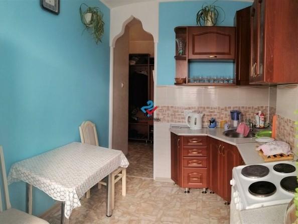 Продам 2-комнатную, 43 м², Сиреневая ул, 3. Фото 3.