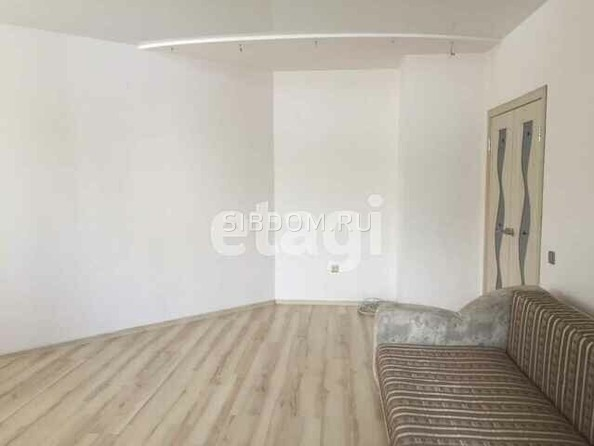 Продам 1-комнатную, 40.9 м², Лазурная ул, 33. Фото 2.