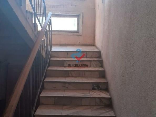 Продам 2-комнатную, 52 м², Приречная ул, 81. Фото 2.
