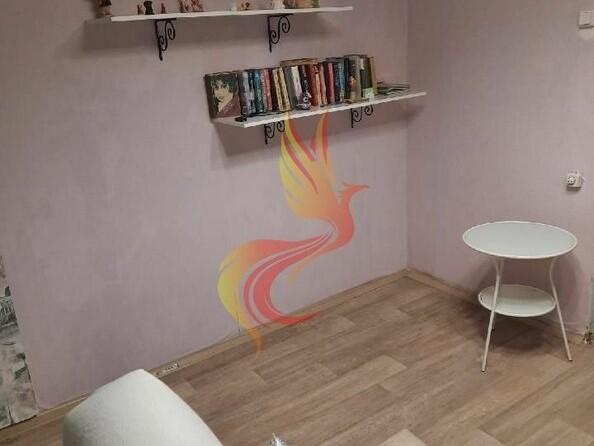 Продам 4-комнатную, 61 м², Красносельская ул, 94. Фото 4.