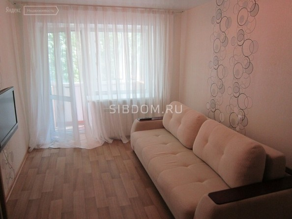 Сдам посуточно в аренду 2-комнатную квартиру, 56 м², Барнаул. Фото 2.