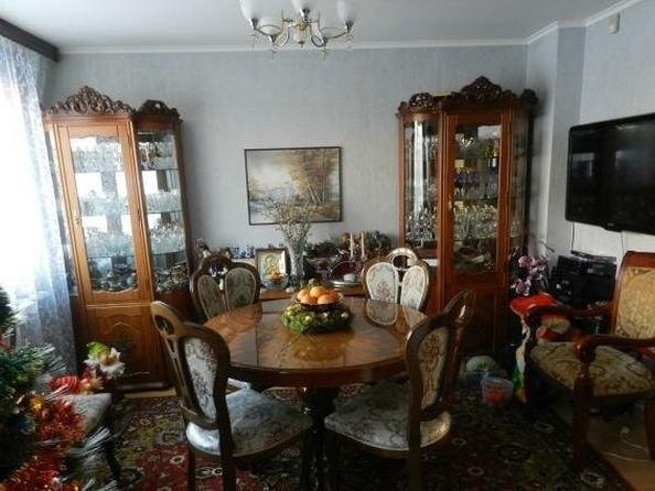 Продам 4-комнатную, 80 м2, Туполева ул, 3. Фото 1.