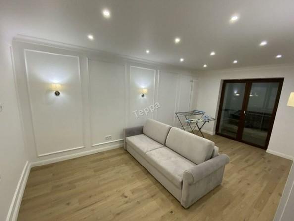 Продам 2-комнатную, 67.1 м², . Фото 1.