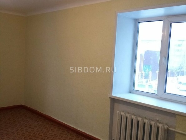 Продам 1-комнатную, 30.1 м2, 50-летия Октября пр-кт, 17. Фото 1.